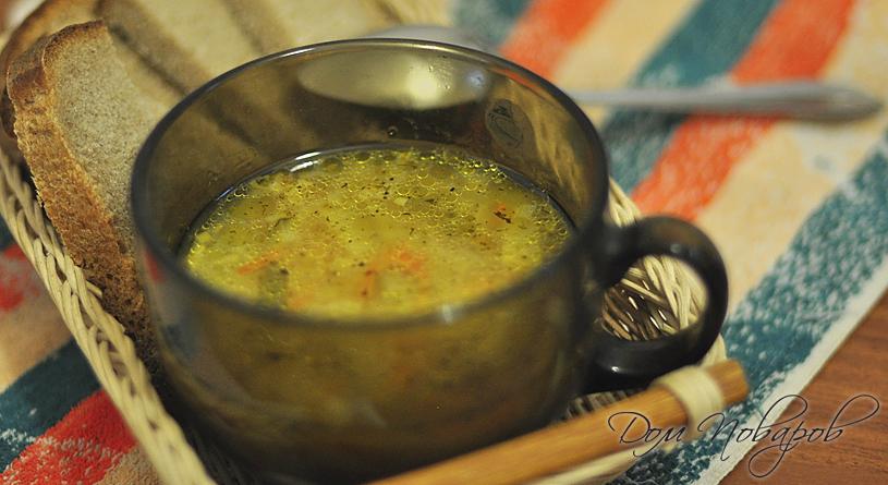 Картофельный суп с солеными огурчиками