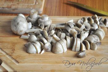 Отварные грибы резаные