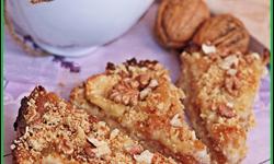 Пирог с грушей и орехами