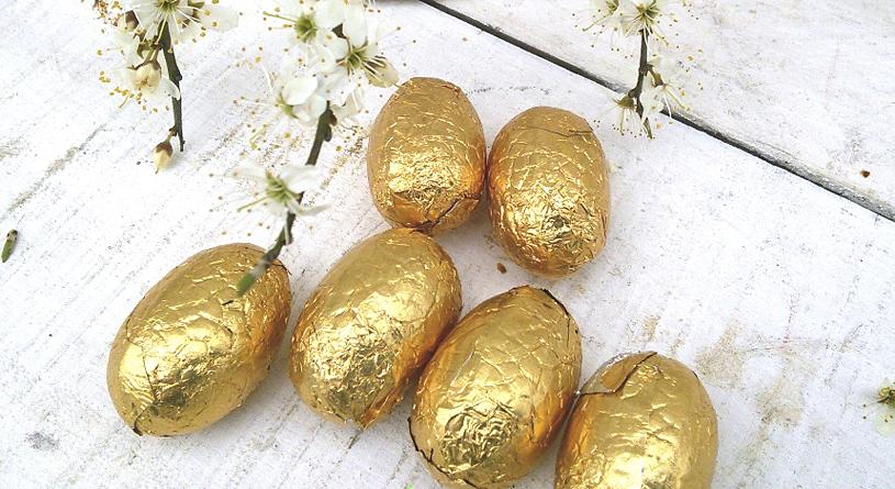Декорирование яиц с помощью фольги