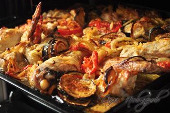 Запеченная курица и овощи
