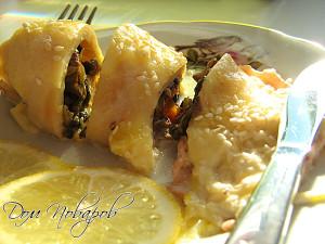 Кальмары, фаршированные грибами и сыром