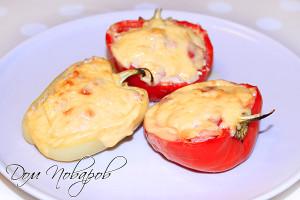 Болгарский перец, фаршированный курицей и овощами