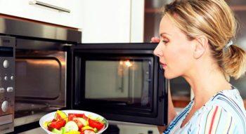 Как разогреть еду в микроволновке