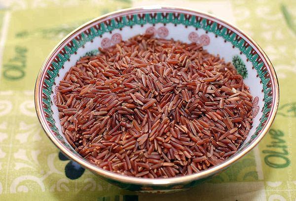 рис рубин на тарелке