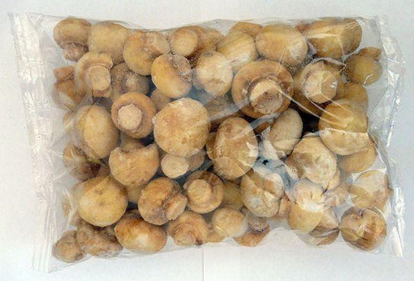 замороженные грибы в пакете