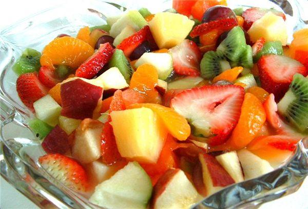 салат из фруктов и овощей