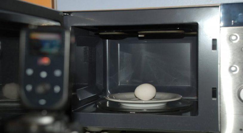 Как сварить яйца в микроволновке