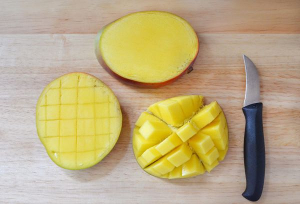 нарезанный манго