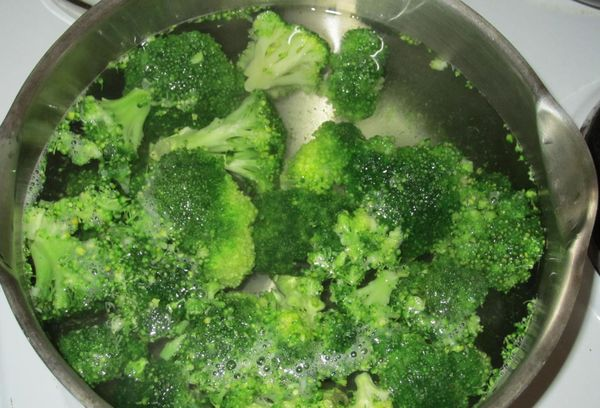 свежая капуста брокколи