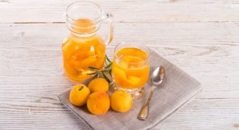 Как варить компот из абрикосов