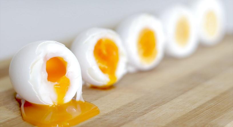 Сколько и как варить яйца всмятку