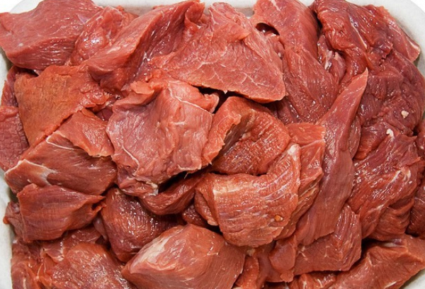 сырое мясо теленка