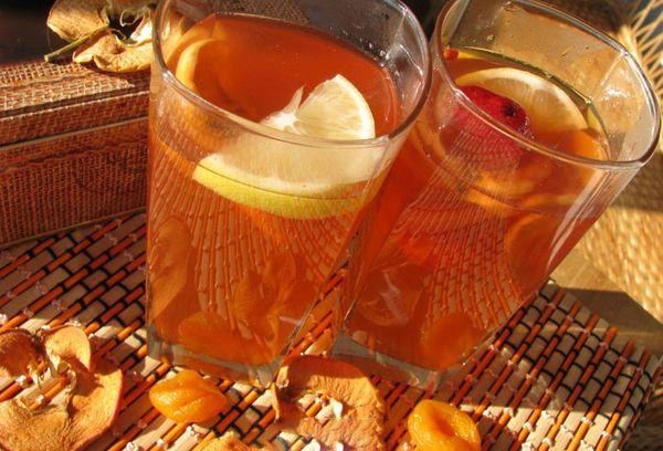 компот в стаканах