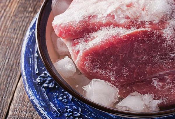 разморозка мяса в холодной воде