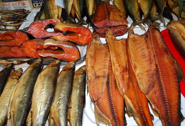 копченая рыба разных сортов