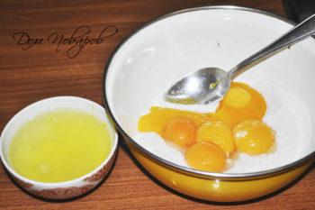Отделенные желтки и белки