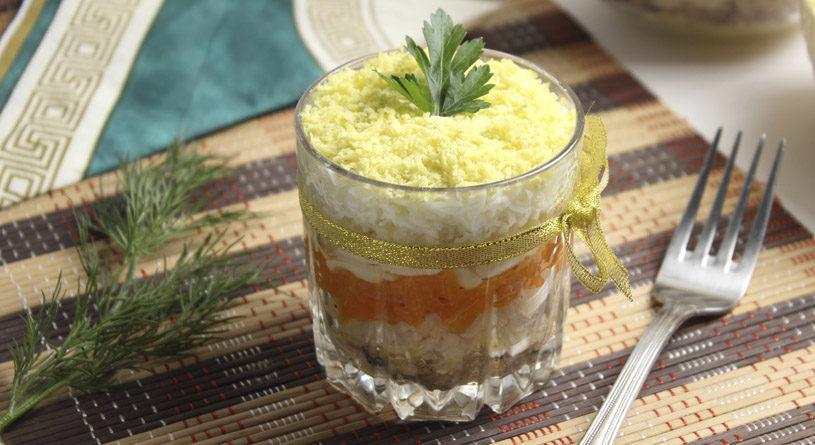 салат мимоза рецепт с консервой и сыром классический рецепт