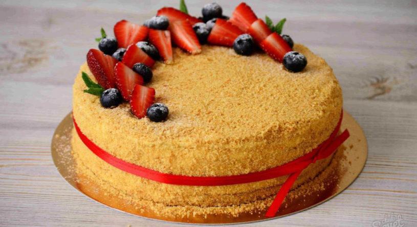 Как украсить медовый торт в домашних условиях?