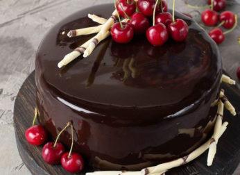 Интересные украшения торта из шоколада