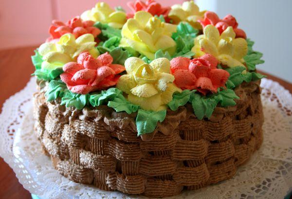 Торт с разноцветным кремом