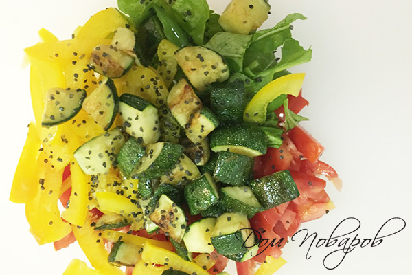 Овощной салат с черной солью