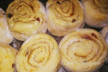 Тыквенные булочки перед выпеканием