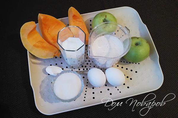 Ингредиенты для оладий из тыквы и яблок
