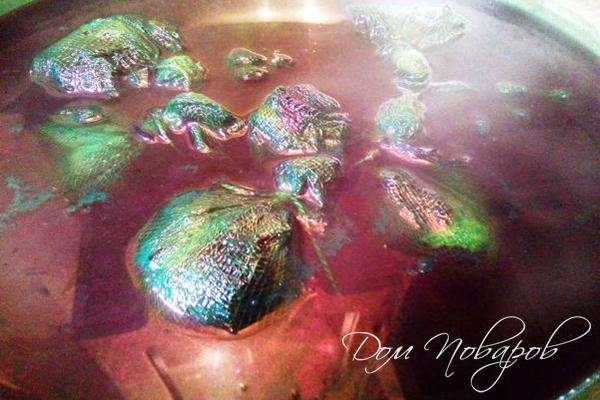 Окраска яиц зеленкой и луковой шелухой