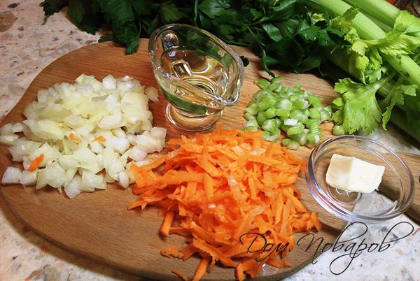 Нарезанные овощи и оливковое масло