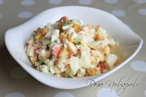 Крабовый салат с кукурузой и огурцом