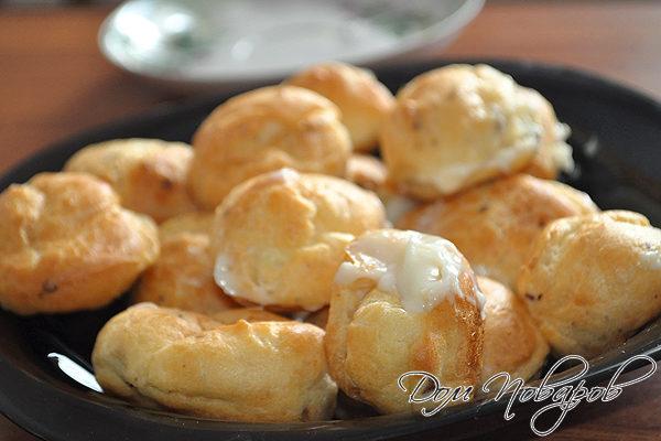 Заварные пирожные с орешками
