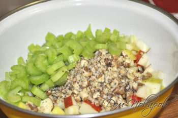 Сельдерей в салате