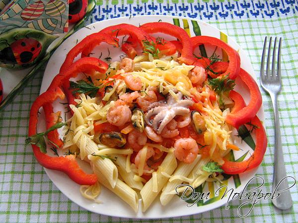 Паста с морепродуктами и овощами