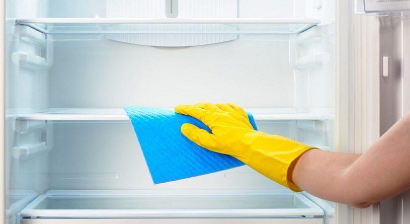 Чем мыть холодильник