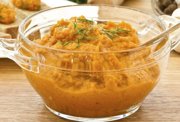 овощное блюдо в миске