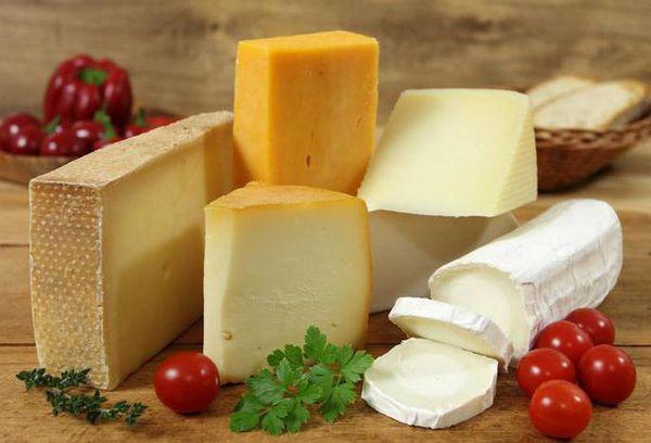 разные сорта сыров