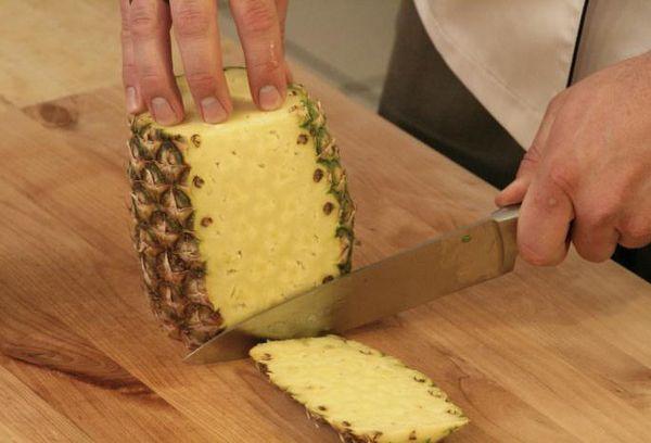 обрезка кожуры ананаса
