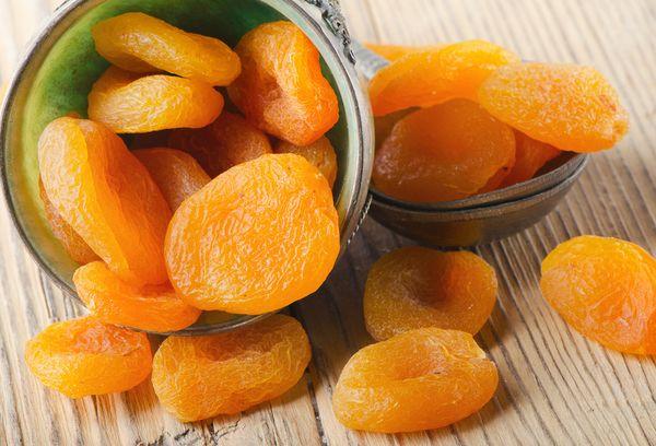 сушеные абрикосы в банке