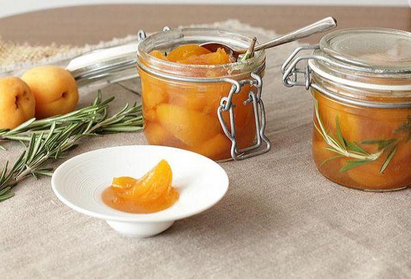 абрикосовое варенье с розмарином