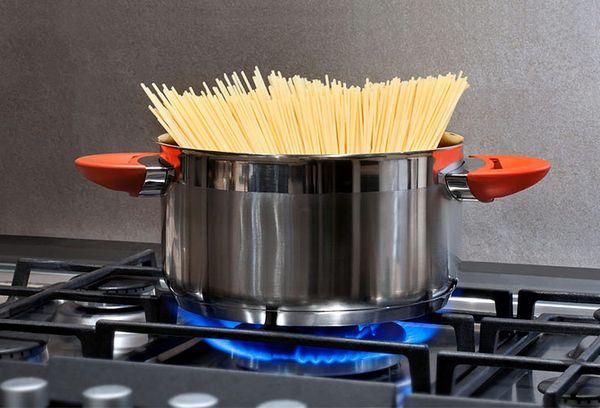 приготовление спагетти