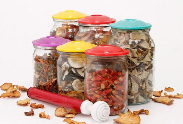 сушеные фрукты в литровых стеклянных банках
