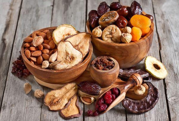 разные фрукты высушенные
