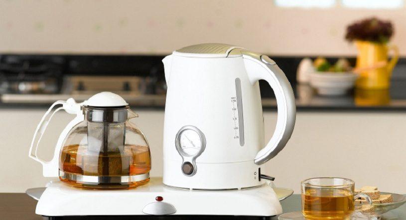 Как избавиться от запаха пластмассы в чайнике