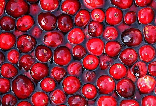 замоченные в воде ягоды