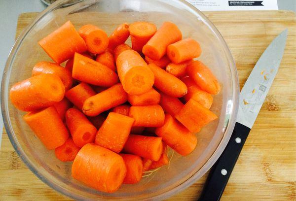 морковь в стеклянной посуде