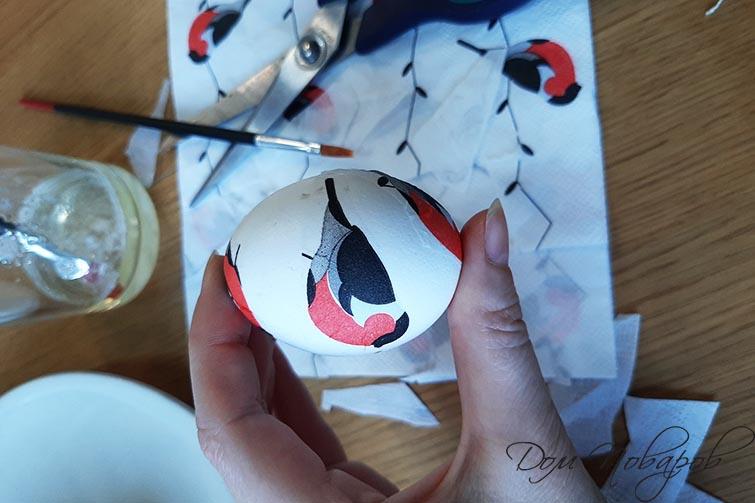 Яйцо с рисунком от салфетки
