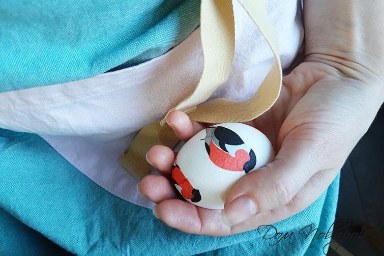 Яйцо в технике декупаж