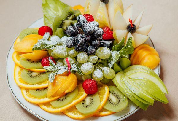 Ассорти из разных фруктов