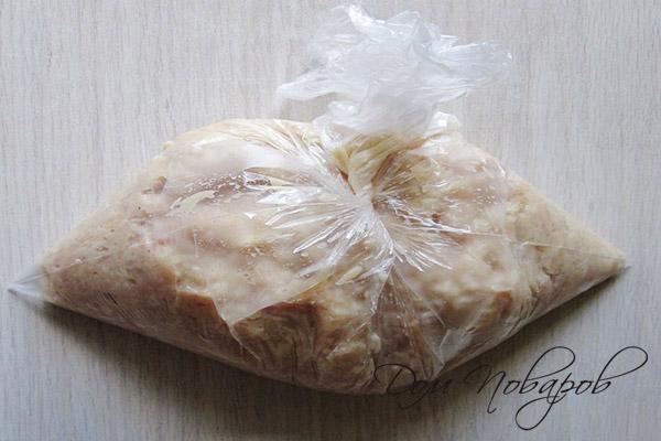 Фарш в целлофановом пакете